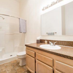 Willamette Landing Bathroom 1