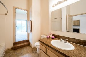 Willamette Landing Bathroom 2
