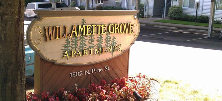 Willamette Grove Entrance